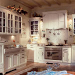 Красивая кухня в стиле французского прованса