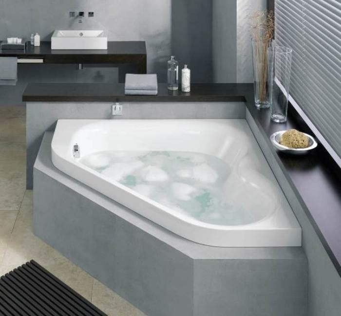Цвет угловой ванны.