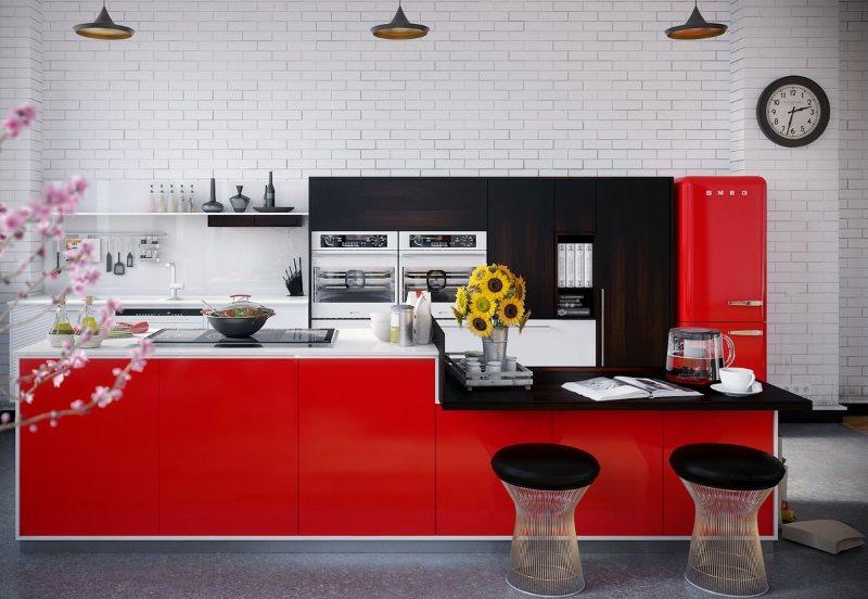 Светлые стены кухни с красно-черной мебелью