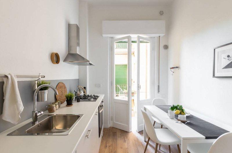 Скандинавская кухня без навесных шкафчиков