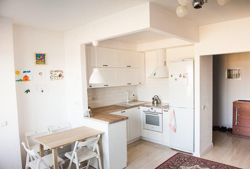 Рабочая зона кухни-гостиной в скандинавском стиле