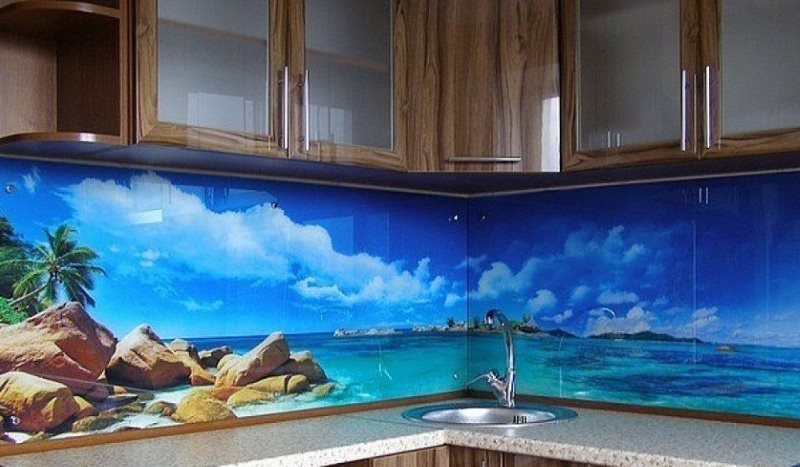 Голубая лагуна на кухонном фартуке