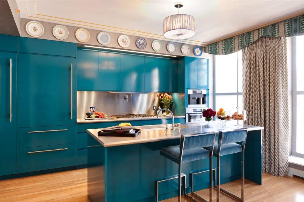 Синие фасады кухни в современном стиле