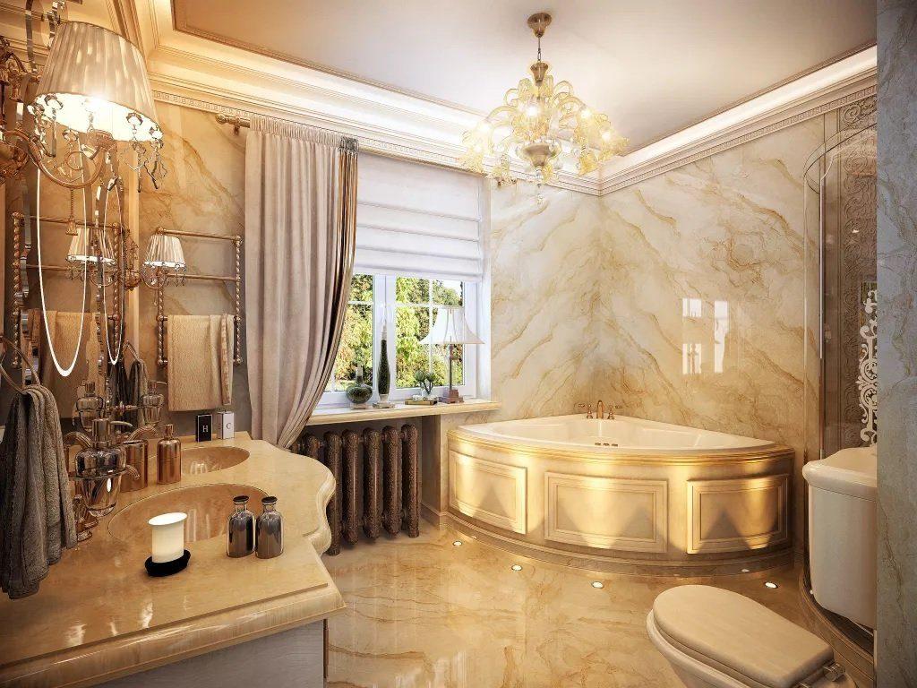 Просторная ванная в классическом стиле с мраморной отделкой