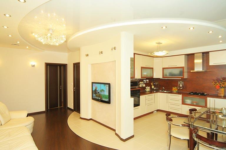 Белый потолок из гипскокартонна в двух уровнях