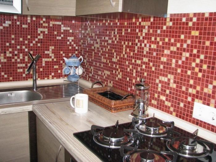 Мозайка в интерьере кухни.
