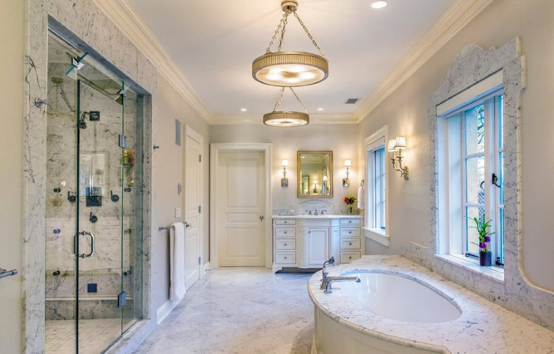 Оформление интерьера ванной комнаты с использованием натурального мрамора