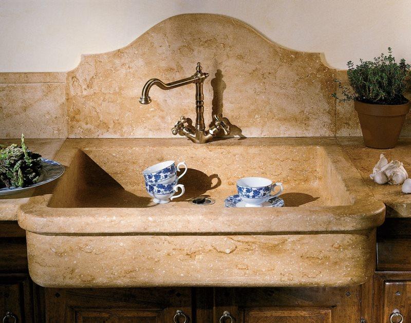 Кухонная мойка из искусственного мрамора