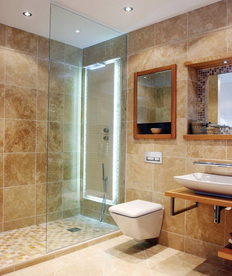 Естественная текстура натурального мрамора в интерьере ванной