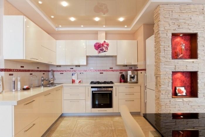 Дизайн потолка на кухни.