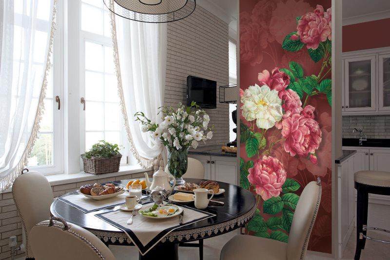 Фотообои с цветами в обеденной зоне кухни