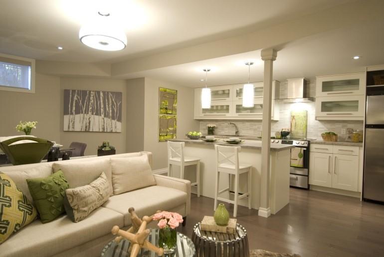 Освещение кухни-гостиной площадью в 20 квадратов