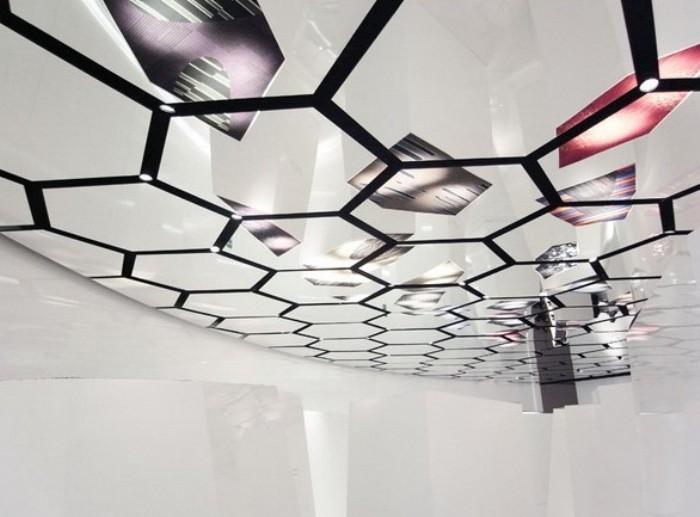 Потолок из ПВХ.