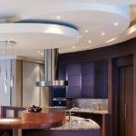 Дизайн современной кухни с многоуровневым потолком