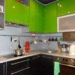 Зеленые фасады навесных шкафов