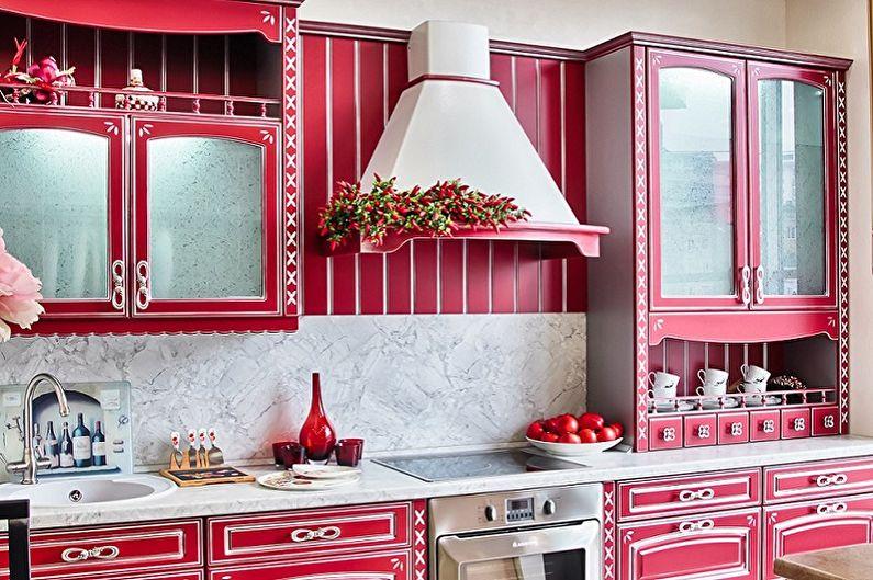 Кухонный гарнитур в насыщенно розовом цвете
