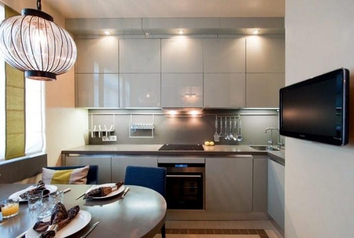 Серый фартук на кухне в стиле минимализма