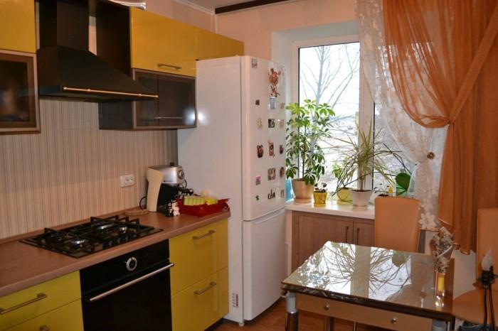 Шторы для маленькой кухни.