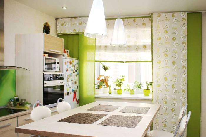 Шторы для зеленой кухни.
