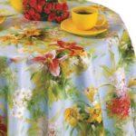 Клеенчатая скатерть с красивыми цветами