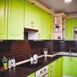 Салатовые фасады кухонного гарнитура