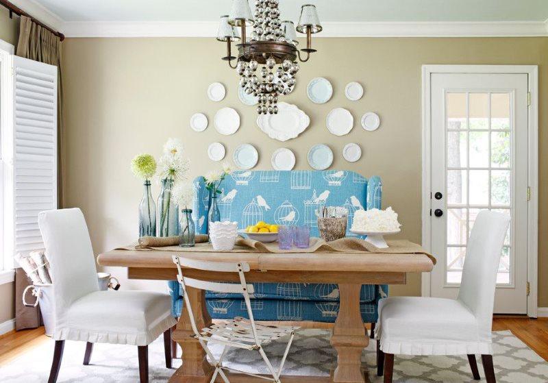 Деревянная мебель на кухне в стиле классики