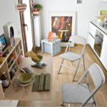 Компактная обеденная зона с раскладной мебелью