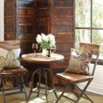 Деревянная ширма в кухне загородного дома