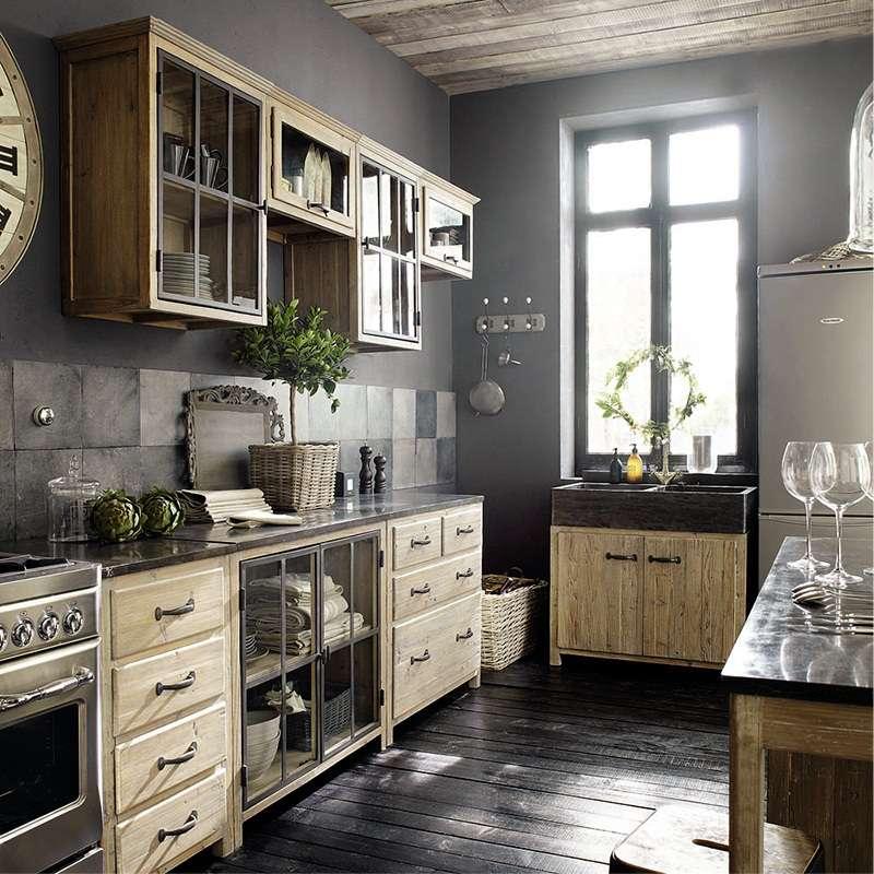 Кухонный гарнитур в антикварном стиле