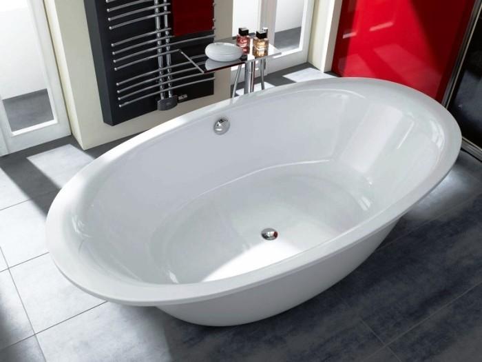 Стальная ванна.