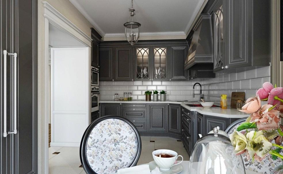 Белый керамический фартук на кухне с серым гарнитуром