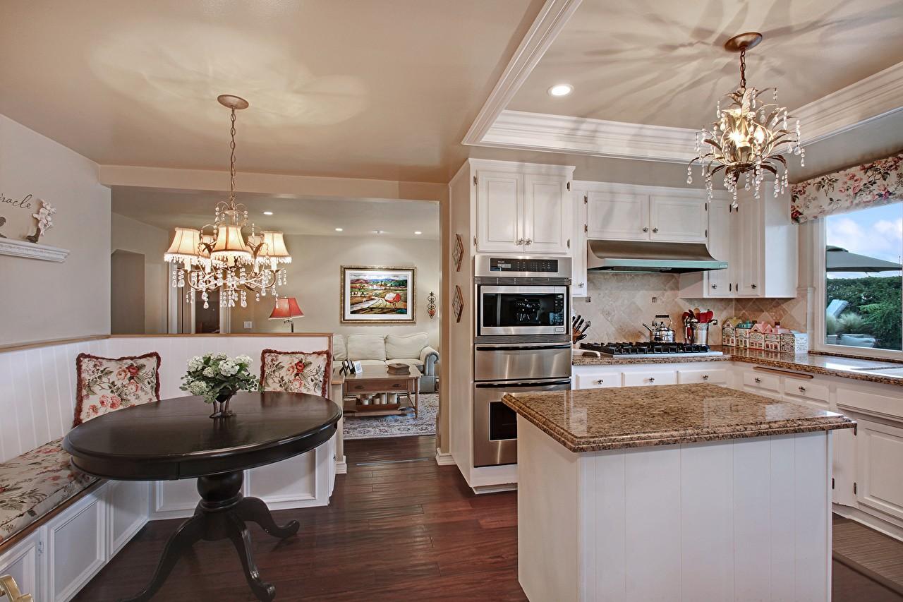 Потолок для кухни фото в коттеджах