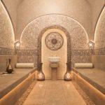 Каменные скамьи в турецком хамаме
