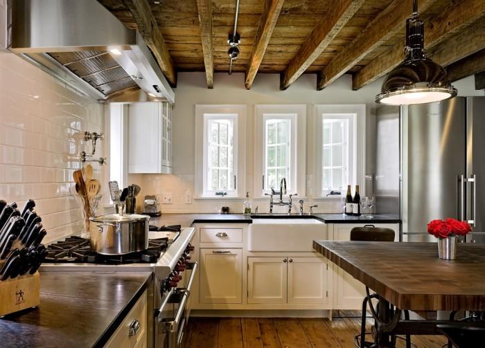 Потолок на кухне.