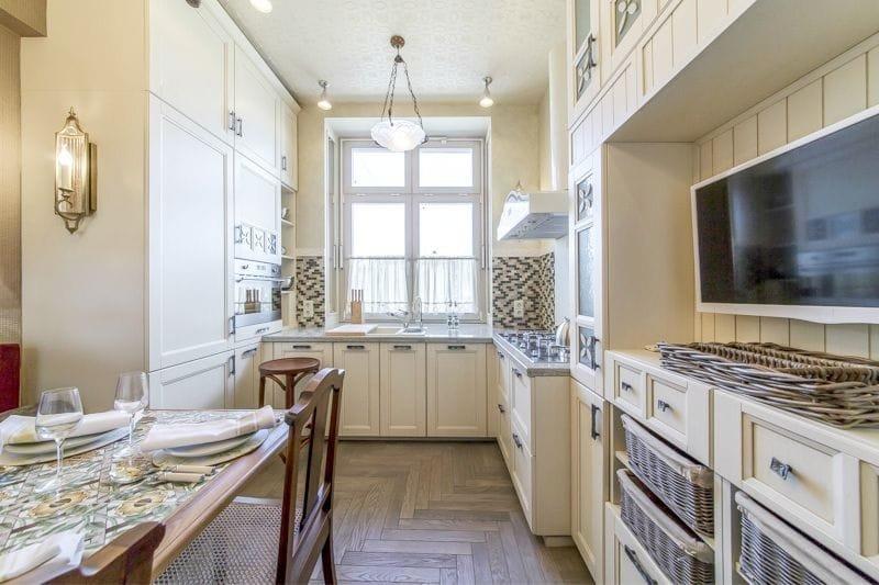 Интерьер узкой кухни в стиле прованс