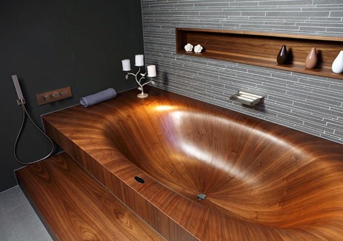Деревянная ванна.