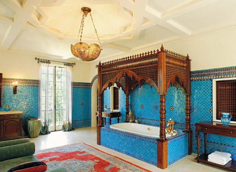 Дерево в интерьере ванной в арабском стиле