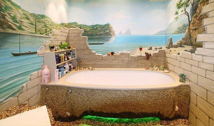 Ванна оформленная песком.