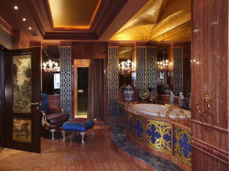 Интерьер ванной комнаты в арабском стиле