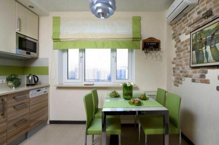Зеленые римские шторы.