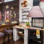 Барбекю на дровах в летней кухне