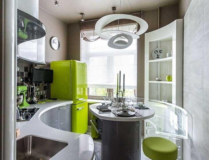 Интерьер дизайнерской кухни с островом