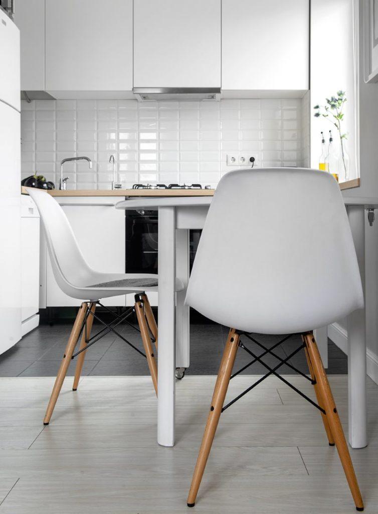 Интерьер маленькой кухни в хрущевке в белом цвете