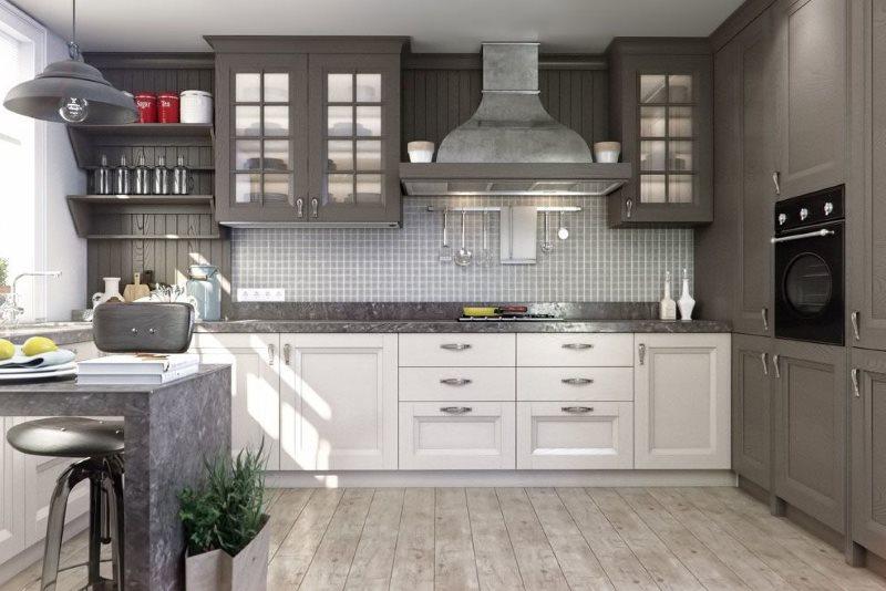 Интерьер серо-белой кухни в стиле неоклассики