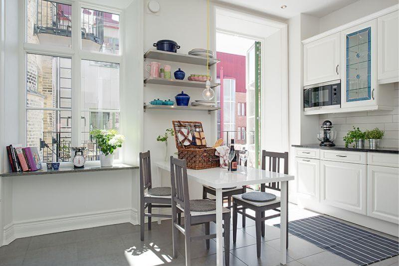 Интерьер скандинавской кухни без занавесок на окне