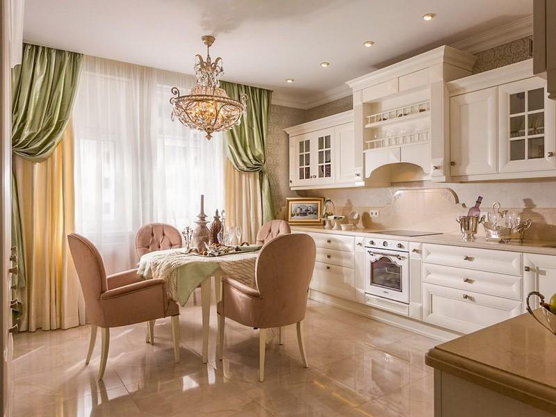 Мягкие стулья со спинками в интерьере классической кухни