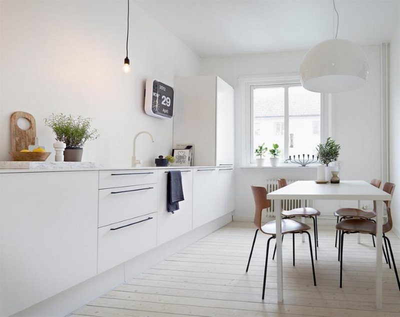 Декор белой кухни в стиле минимализма