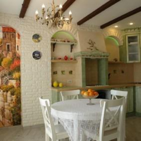 Круглый стол белого цвета в кухне стиля прованс