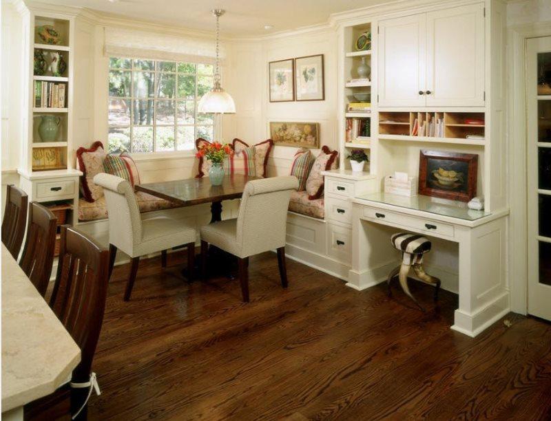 Деревянный пол кухни в деревенском стиле