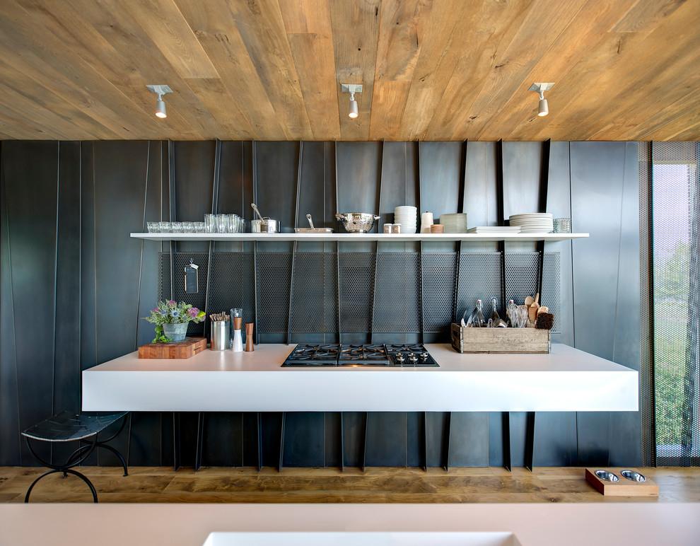 Деревянный потолок в кухне оригинального дизайна